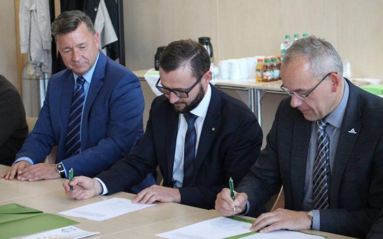 Unterzeichnung des Kooperationsvertrages zwischen der Gemeinde Britz und den Kreiswerken Barnim.